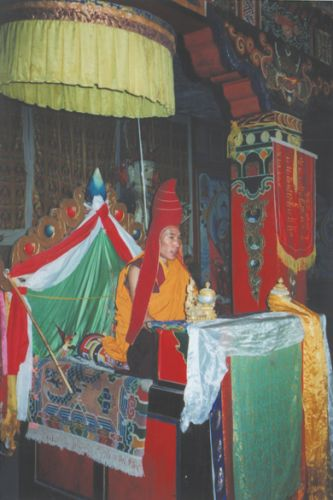 Tibet - Ceremony at Main Temple in Mardo Tashi Choeling Monastery